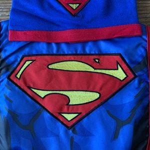 DC Comics Accessories - Superman Caped Bib & Hat Set - Special Edition✨